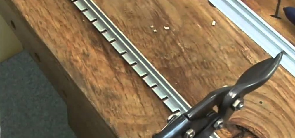 Fast And Easy Cutting Awning Rail Notcher Makes A Clean 30 V Shaped Cut In Tracks Enabling The Track To Bend Around Corners